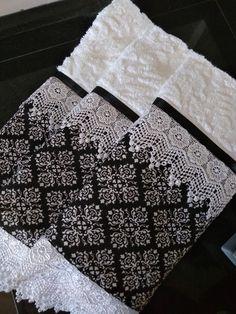 Compre Conjunto toalhas decoradas no Elo7 por R$ 155,00 | Encontre mais produtos de Jogo de Banho e Casa parcelando em até 12 vezes | Conjunto de toalhas com fino acabamento.  Karsten Anne 100% algodão decorada com renda, tecido em 100%algodão e fita de cetin  *1 toalha banho 70x1,40  * t..., C0FBFA Kitchen Hand Towels, Bathroom Towels, Basic Painting, Crochet Towel, Towel Crafts, Luxury Towels, Decorative Towels, Hand Embroidery Designs, Sewing Projects For Beginners