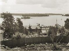 Vilhovuorelta (nykyinen Katri Valan puisto) otettu panoraaman osa kohti kaakkoa. Signe Brander 1908.