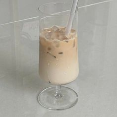 Aesthetic Coffee, Aesthetic Food, Beige Aesthetic, Aesthetic Grunge, Coffee Break, Iced Coffee, Coffee Time, Real Food Recipes, Yummy Food