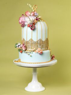 Vintage Birdcage Cake - I like the style and how different the cake is... but maybe it could radiate more of wedding theme...
