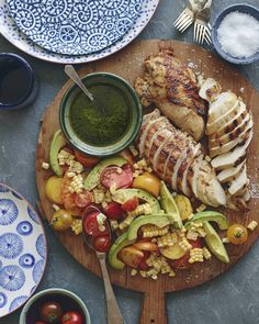 Grilled Chicken and Tomato Avocado Salad from www. - basically what ever summer dinner should look like! (What's Gaby Cooking) Healthy Recipes, Cooking Recipes, Cooking Food, Detox Recipes, Spinach Recipes, Grilling Recipes, Summer Recipes, Free Recipes, Cooking Tips