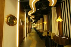 http://retaildesignblog.net/2013/12/13/oushin-japanese-steak-house-by-jp-concept-singapore/