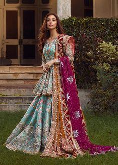 Bridal Mehndi Dresses 2020 - Pakistani Wedding Dresses for Brides Shadi Dresses, Pakistani Formal Dresses, Pakistani Wedding Outfits, Indian Gowns Dresses, Indian Bridal Outfits, Pakistani Dress Design, Pakistani Mehndi Dress, Pakistani Bridal Dresses Online, Pakistani Sharara