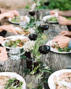 Throw back to this summer dinner party at the farm with @kellybrownphoto and @tarahurstdesign and featured by @darling magazine. Can't wait for those warm summer days... #thatsdarling #reddamselfarm
