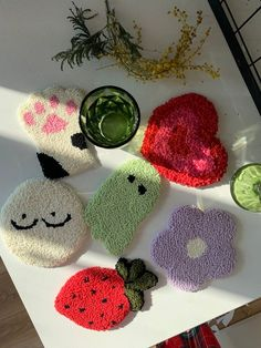 Yarn Crafts, Diy Crafts, Funky Rugs, Punch Needle Patterns, Crochet Yarn, Crochet Projects, Hand Embroidery, Coasters, Arts And Crafts