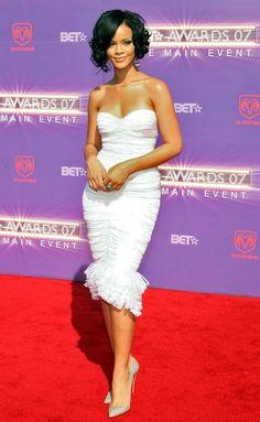 Rihanna Short Curls - Short Curls Lookbook - StyleBistro