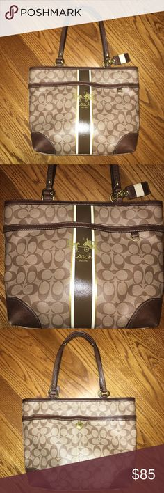 Brown Signature Coach Medium/Large Handbag Gorgeous Brown Signature Coach shoulder purse Water resistant exterior helps keep stains at bay! Magnetic closure outer flap pocket Interior has a zip closure with one zipper pocket and two open pockets  Very good used condition - the only flaws I see are a few tiny light spots in the interior and slight wear to the corners on the exterior bottom (shown) Coach Bags Totes