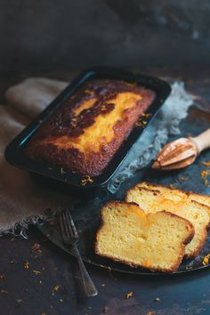 The Clemengold Citrus Loaf will be a tasty hit with family and friends, the ClemenGold fruits are known for their incredible juiciness and zingy flavour. Lemon Drizzle Cake, Dark Food Photography, Loaf Recipes, Loaf Cake, Quick Bread, Sweet Bread, Cooking Time, Just Desserts, Food Inspiration
