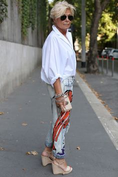 The White Shirt (Advanced Style) Michela Zio is always one of the best dressed women at Alta Roma. I love the way she dresses up her white shirt with sequined jeans and great shoes. She is the epitome of casual chic. Over 60 Fashion, Mature Fashion, Over 50 Womens Fashion, 50 Fashion, Look Fashion, Autumn Fashion, Fashion Outfits, Short Women Fashion, 50 Style