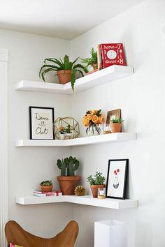 10 maneiras de usar prateleiras no canto da parede!
