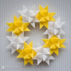 Learn how to fold Froebel Star, a traditional modular origami star. Tutorial for Christmas wreath and modular kusudama made from Froebel Stars. Origami Mouse, Origami And Quilling, Origami And Kirigami, Origami Paper Art, Origami Fish, Origami Stars, Origami Flowers, Paper Crafts, Origami Wreath