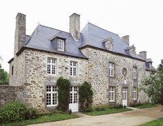 Malouinière du Parc, Saint-Méloir-des-Ondes Le logis central, construit par Guillemette Salmon, est daté de 1599.