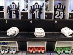 Vestuario de la Juventus en el Juventus Stadium para jugar el partido de vuelta de la semifinal de la Uefa Europa League