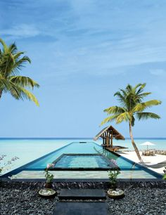 Breathtaking Villa Retreat In Maldives. proud to say Maldives is my my home country. ♥ do come visit Maldives. sunny side of life ; Amazing Swimming Pools, Cool Pools, Places To Travel, Places To See, Travel Destinations, Holiday Destinations, Holiday Places, Dream Vacations, Vacation Spots