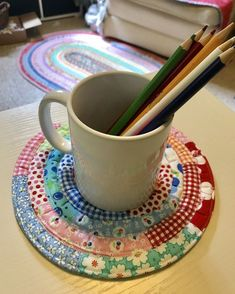 THEY CAN BE ANY SIZE YOU WANT! Create pretty patchwork coasters, trivets and more from leftover 2 jelly roll strips. They're simple to make and can be any size, even as large as place mats. Sewing Hacks, Sewing Tutorials, Sewing Tips, Quilting Tutorials, Sewing Ideas, Sewing Crafts, Diy Crafts, Sewing Patterns Free, Free Sewing