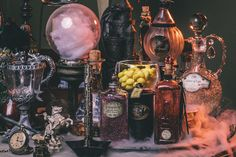 Amazing DIY Harry Potter Potion Display for Halloween or birthday parties: Dumbledore's office Harry Potter Halloween, Theme Harry Potter, Harry Potter Diy, Diy Halloween, Halloween Potions, Halloween Decorations, Halloween Office, Office Decorations, Magick