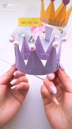 Diy Crafts Hacks, Diy Crafts For Gifts, Diy Arts And Crafts, Creative Crafts, Fun Crafts, Diy Projects, Paper Flowers Craft, Paper Crafts Origami, Paper Crafts For Kids