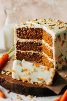 Homemade Carrot Cake, Moist Carrot Cakes, Best Carrot Cake, Best Dessert Recipes, Fun Desserts, Sweet Recipes, Cake With Cream Cheese, Holiday Cakes, Yummy Cakes