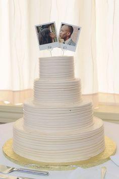 Topo de bolo com as fotos do casal