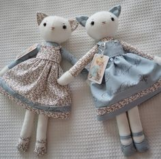 Gee's Projects: Rabbit and Kitten dolls. Wet weather sewing.