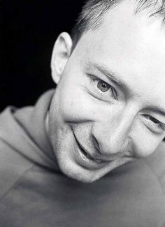 See Thom Yorke pictures, photo shoots, and listen online to the latest music. Great Bands, Cool Bands, Thom Yorke Radiohead, Ok Computer, Corps Parfait, Foo Fighters, Black Sabbath, Aerosmith, Korean Music