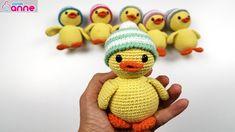 Örgü oyuncak ördek yapılışı, amigurumi free pattern duck Canimanne.com dan herkese merhabalar sevgili Yasemin KALE ile amigurumi öğrenmeye, videolu anlatımları yapmaya, detaylarını videolarda paylaşmaya devam ediyoruz. Amigurumi bebek örgü modelinin yapılışını bu videoda sizler için paylaştık. Tüm zincir, sayı ve sıra numaralarını ve tüm aşamalarını verdik. Amigurumi bebek ördek modelinden kullandığımız malzemeler şunlardır; %50 pamuk …