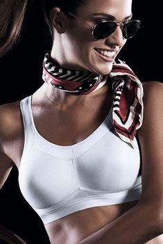 Schicke Wäsche für die Ladies!  Momentum - Maximum Support Sport BH  - Funktion und Schick!