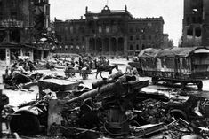 Destroyed in heavy fighting the German artillery gun anti-aircraft gun on the ruined streets of Berlin – the capital of the defeated Nazi Third Reich. Place: Berlin, Germany Time taken: May 1945 World History, World War Ii, Berlin 1945, Potsdamer Platz, Ww2 Pictures, Rare Pictures, Germany Europe, Berlin Germany, Total War