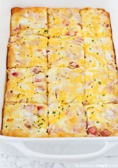 This delicious croissant omelet breakfast casserole is an easy recipe that is perfect for either breakfast or dinner! This delicious croissant omelet breakfast casserole is an easy recipe that is perfect for either breakfast or dinner! Breakfast Egg Casserole, Breakfast Desayunos, Breakfast Dishes, Breakfast Croissant, Christmas Breakfast Casserole, Breakfast Omelette, Breakfast Enchiladas, Overnight Breakfast, Egg Casserole With Ham