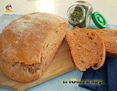 Pane al pomodoro e origano-ricetta lievitati Ieri dovevo fare il pane e idea faccio il Pane al pomodoro e origano. Ero sicura del risultato ma .....