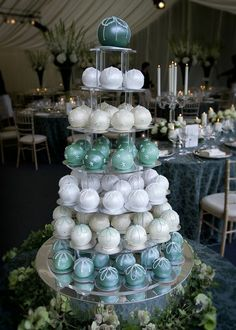Beautiful designs for cake spheres! With the right colors, this could be a stunning and elegant idea for a wedding reception or wedding shower... Errmmmm... Kim Williams???