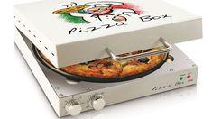 Ce mini four à pizza fonctionne sans préchauffage et cuit une pizza fait maison en 10 minutes. Super sympa et petit : il est en forme de boîte à pizza !