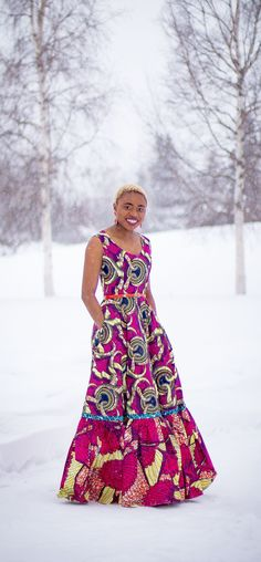 Kente Fabric Designs: See These Kente Styles For Fashionable Ladies - Lab Africa Ankara Styles For Women, Kente Styles, African Dresses For Women, African Attire, African Wear, African Women, African Outfits, African Clothing For Sale, Modern African Clothing
