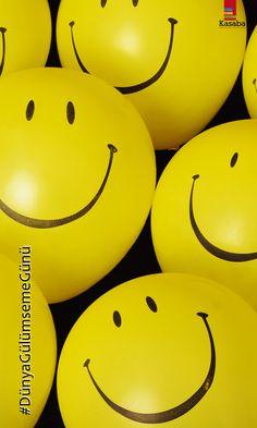 Bugün, güne daha bir gülümseyerek başlıyoruz.. #DünyaGülümseGünü 'nü Cuma neşesiyle birlikte kutluyoruz..   Not: Amerikalı reklam uzmanı Harvey Ball, dünyaca ünlü 'Smiley', yani gülümseme ikonunu, 1963'te  tasarlamış; ikon, dünya çapında mutluluk ve iyi niyet simgesi haline gelmiştir. Ball, fikrini ticari bir fikrin ötesine taşımaya karar verip, 1999 yılından beri Ekim ayının ilk Cuma'sı, Dünya Gülümseme Günü olarak kutlanmaya başlamıştır. #Cuma #Friday #WorldSmileDay #smile #smiley…