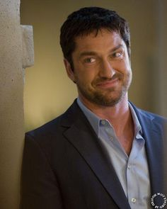Gerard butler in The Ugly Truth