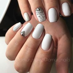 Accurate nails, Evening dress nails, Insanely beautiful nails, Luxurious nails, Nails for spring dress, Nails with liquid stones, Natural nails, Spectacular nails