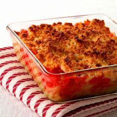 Découvrez la recette Crumble fraises-rhubarbe sur cuisineactuelle.fr.