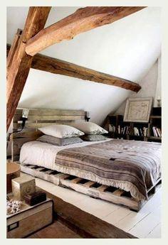 bedroom, łóżko na paletach