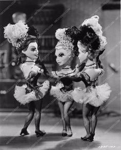 photo Ziegfeld Follies puppets 954-29