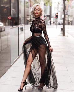 What's trending: women's street style for fall/winter 2017 News Fashion, Look Fashion, High Fashion, Fashion Beauty, Womens Fashion, Fashion Tips, Fashion Design, Petite Fashion, Luxury Fashion