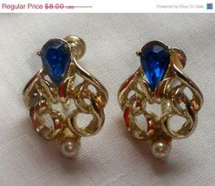 SALE Blue Stone Pearl Screw On Earrings by VintageVarietyFinds