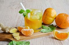 La recette de la Caipirinha - Westwing vous propose une adaptation étonnante de cette boisson populaire : La Caipirinha mandarine- gingembre-menthe