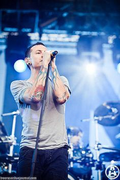 CHESTER BENNINGTON lovely...