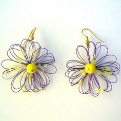 Orecchini fiore viola. Lavorati a mano by mariceltibijoux.com Violet earrings Handmade by mariceltibijoux.com