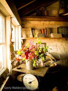 English potting shed