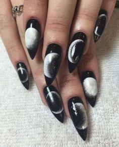 Almond Nails Designs, Black Nail Designs, Nail Art Designs, Cute Halloween Nails, Halloween Nail Designs, Easy Halloween, Holloween Nails, Halloween Coffin, Devil Halloween