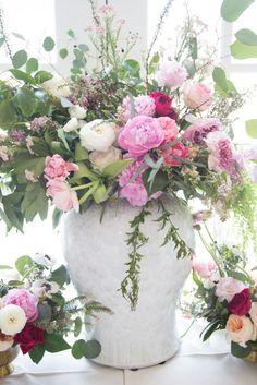 peony-arrangement-wedding