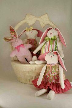 Woof & Poof Easter 2013. https://www.facebook.com/riverroadpharmacyandgifts