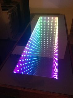 Leave Your Guests Mesmerized By Creating An Awesome DIY 'Infinity Mirror Table' Infinity Spiegel, Infinity Table, Infinity Lights, Neon Led, Do It Yourself Inspiration, Beer Pong Tables, Neon Lighting, Lighting Ideas, Light Art