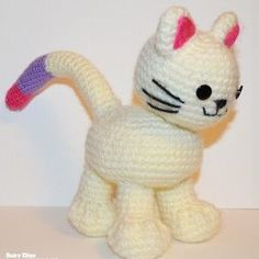FREE PATTERN! Easy Kitten with Bendable Tail by Suzy Dias